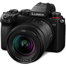 Panasonic LUMIX S5 with R2060 Lens